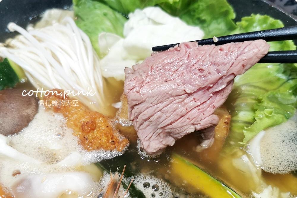 台中少見厚厚手切肉火鍋!搭配佛跳牆湯頭超好料~吃過炩妃家就回不去了!
