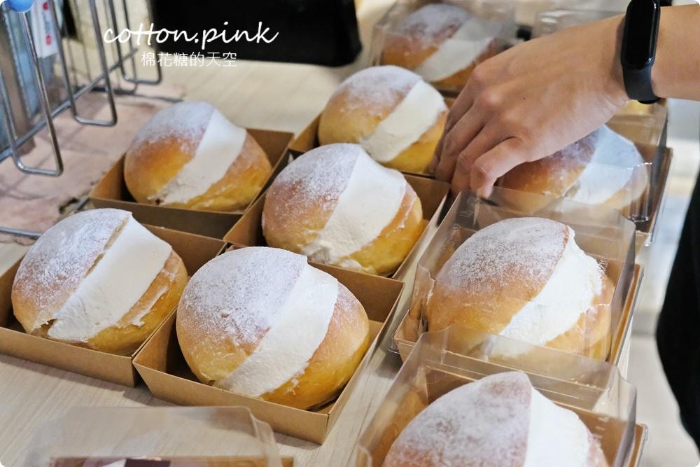 台中糖印麵包獨家提供!全台首創焙茶生乳包!人氣肉桂捲沒預約買不到啊~