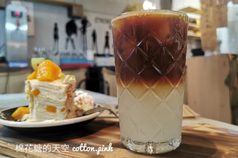 台中超隱密咖啡廳!東勢里趣咖啡藏在廟宇旁~冰棒咖啡超酷的!