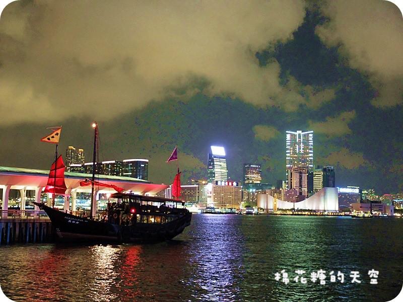 《香港自助遊》香港必訪浪漫夜景~夢幻紫色香港摩天輪@中環