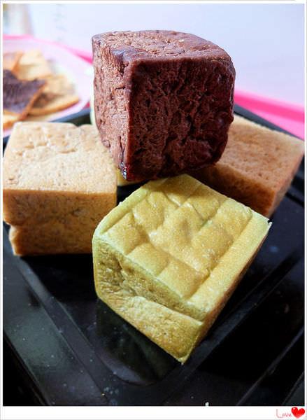 《宅配美食》下午茶必備療癒系迷你方塊土司,烤成脆片也好好味~來自土司方塊主廚烘培坊