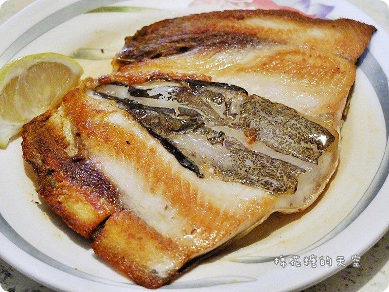 《嘉義美食》深夜限定~嘉義文化路邊珍珍海鮮攤!煎到香酥的虱目魚肚又肥又好吃!