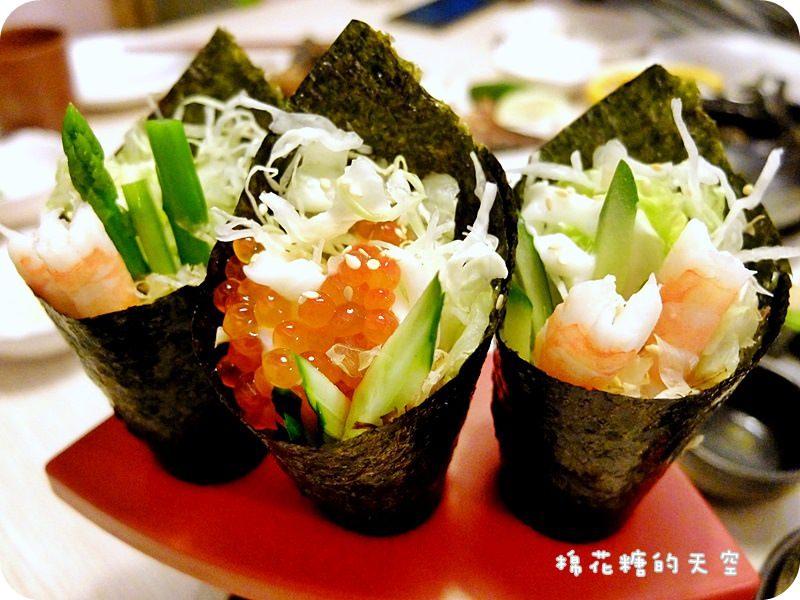 《台中美食》崇德路商圈雲鳥日式料理~餐點種類多樣化,爸爸吃生魚片、媽媽吃沙拉、小朋友就吃炸豬排吧!