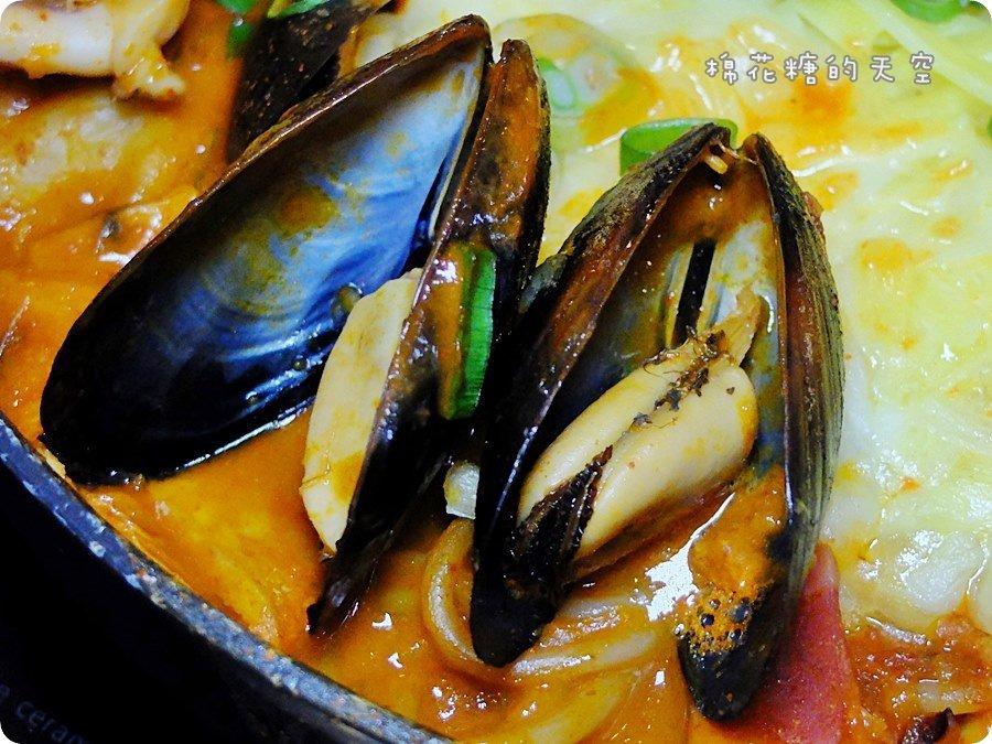 0年糕鍋海鮮淡菜.JPG