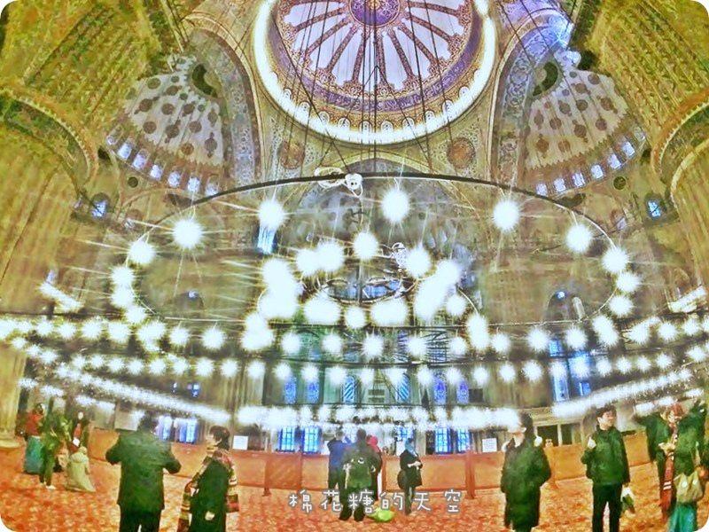 土耳其必訪‖藍色清真寺(蘇丹艾哈邁德清真寺)美得讓人捨不得眨眼睛!究竟是不是藍色的呢?@伊斯坦堡舊城區 
