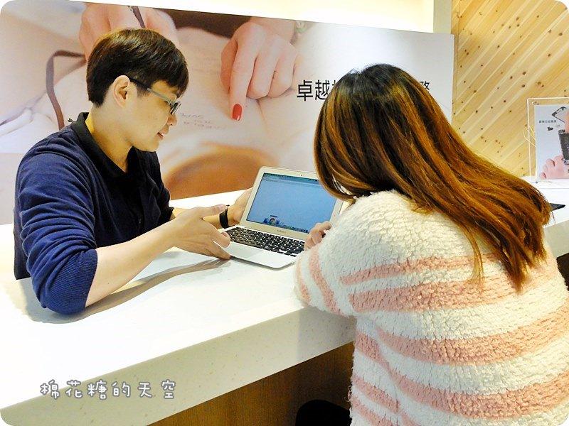 台中台北iPhone維修||FAST蘋果快速維修中心專修iPhone.iMac.iPad.MacBook蘋果系列產品~換電池還有終身保固!台中、台北都有分店