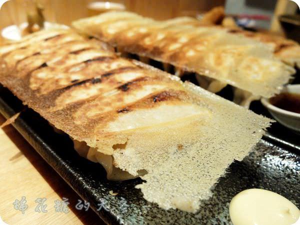 《台中美食》再訪餃子居酒屋,創意小菜、黃金脆皮煎餃~全在有喜屋
