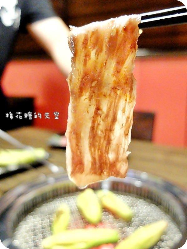 台中燒肉||高檔燒烤店的食材品質、日式居酒屋的歡樂氣氛~都在公益路小巷內岩手日式炭火燒烤,天啊!入口即化的頂級和牛也太好吃了吧!
