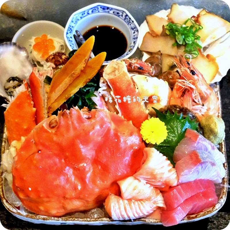 """《台中美食》燒烤、火鍋、生魚片""""鮨樂海鮮市場""""一次實現三種願望,還有超好逛日貨市場~外帶熱食看起來也好美味!"""