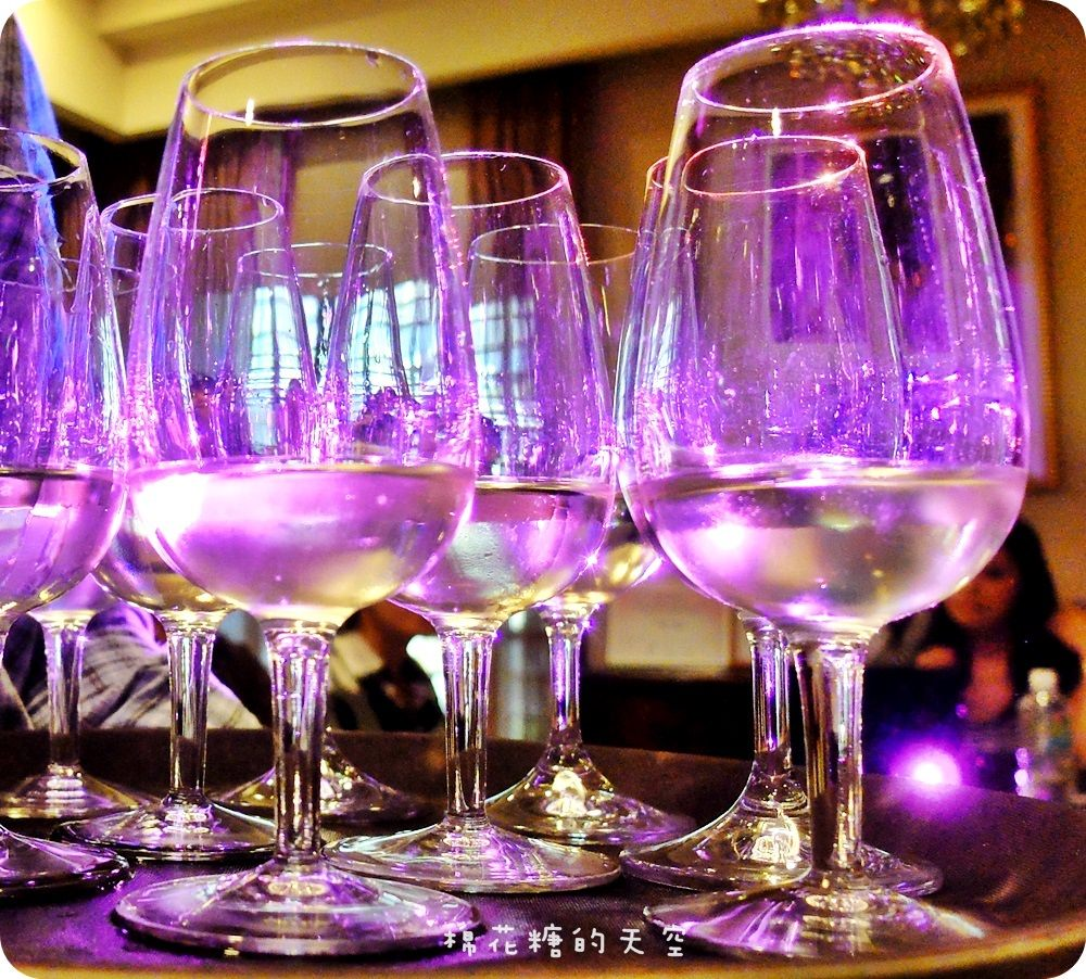 《品酒課程》德寶行銷辦理WEST品酒認證課程Level 1,深入淺出代帶領學員踏入葡萄酒的美妙大門