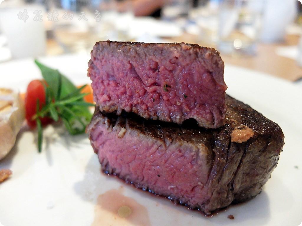 《台中美食》巷內低調餐廳『威尼斯』,內藏奢華歐法料理,鄉親啊~菲力也太厚了吧!